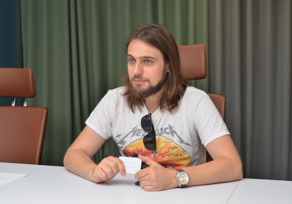 Александр Заикин даёт интервью журналу Открытый Белгород