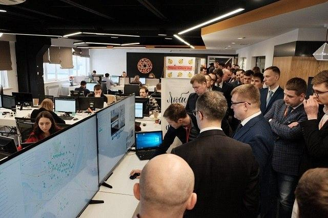 Делегация в офисе Фабрики информационных технологий